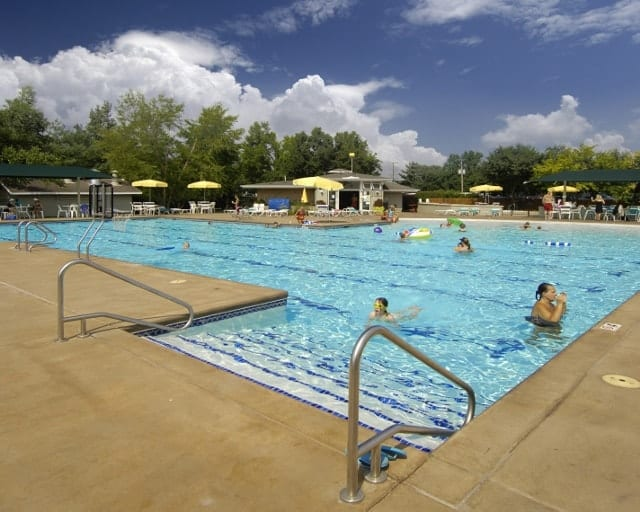 Safety Tips for Swimming Pools